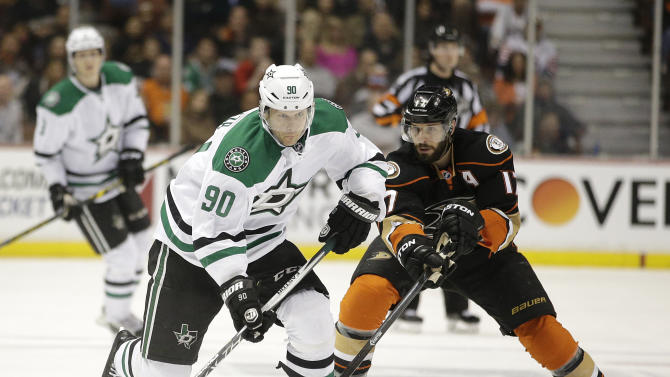 Eaves, Benn score big as Dallas Stars rout Anaheim Ducks 4-0