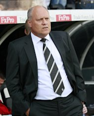 Martin Jol believes the transfer window should close before the start of the season