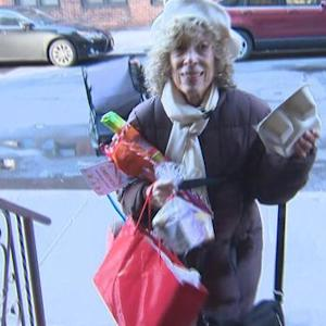 Volunteers deliver Christmas meals and holiday cheer