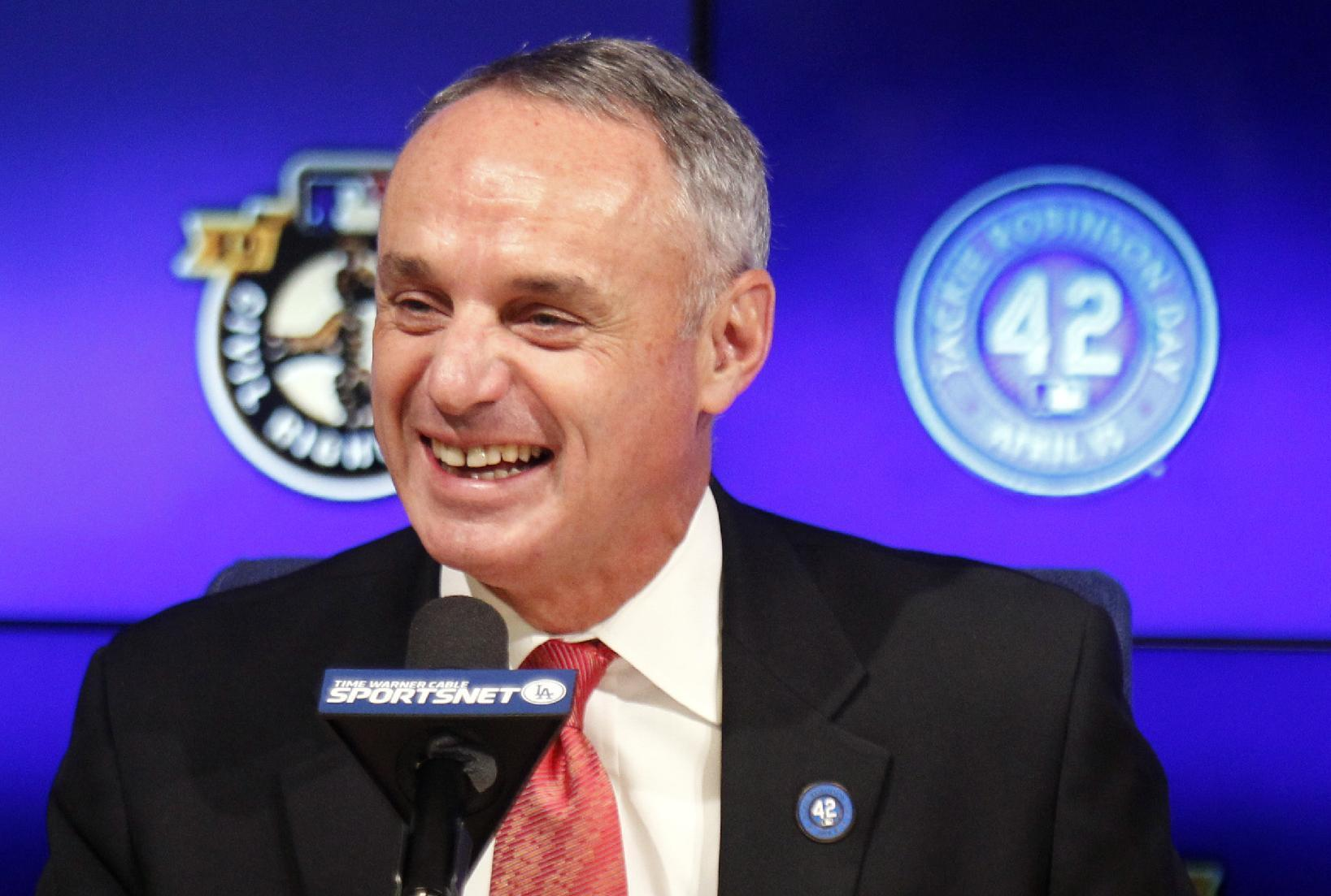 Manfred hopes for exhibition games in Cuba in 2016