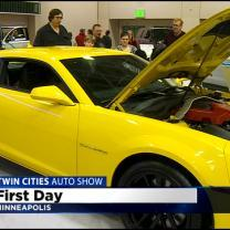 Timberwolves Brewer, Rubio Take Photos With Fans At Twin Cities Auto Show