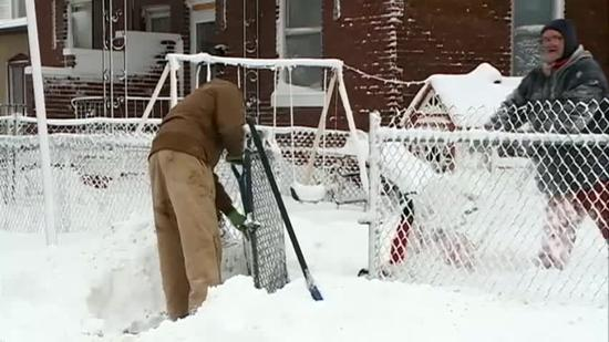 Neighborhoods clear sidewalks in bitter temps