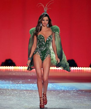 Miranda Kerr Steals Alessandra Ambrosio's $2.5m Fantasy Bra Limelight At Victoria's Secret Show