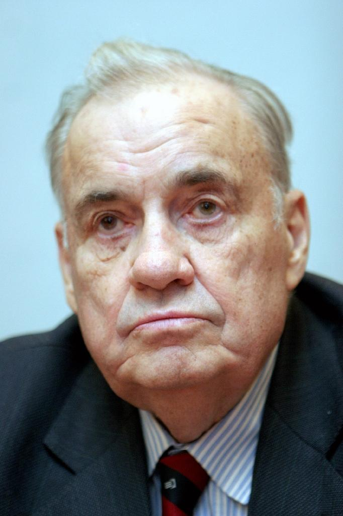 Beloved Russian filmmaker Ryazanov dies