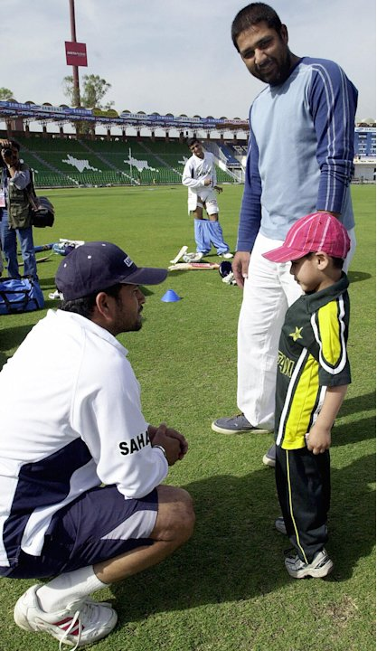 Indian cricketer Sachin Tendulkar (L) sp