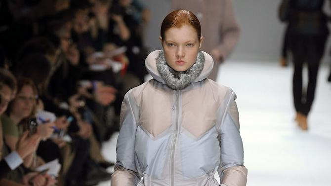 Issey Miyake - Runway RTW - Fall 2012 - Paris Fashion Week