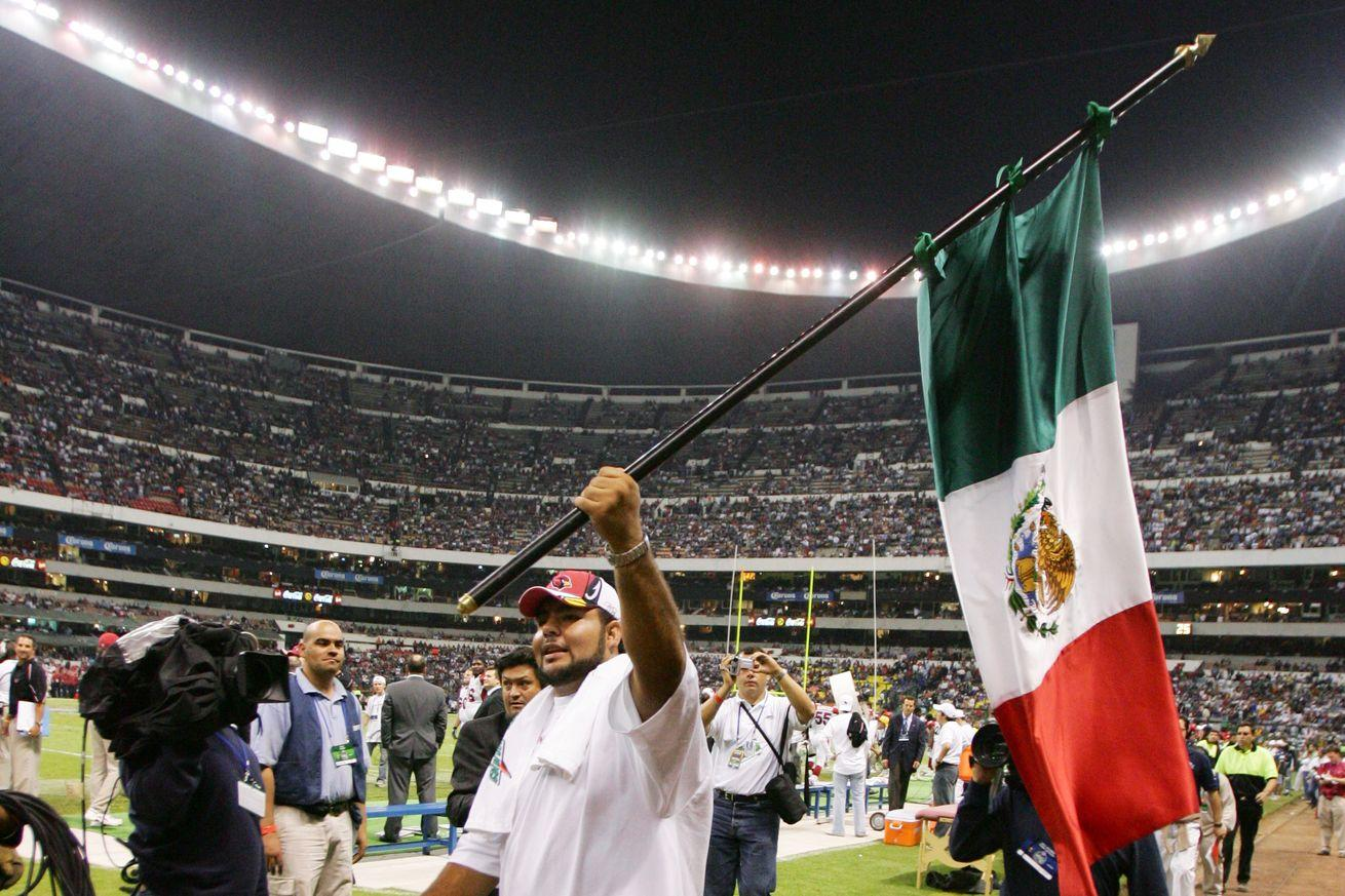 Texans and Raiders will play 2016 'Monday Night Football' game in Mexico City