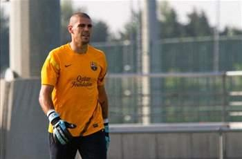 Barcelona goalkeeper Victor Valdes and former Valencia defender Asier del Horno face charges of fraud