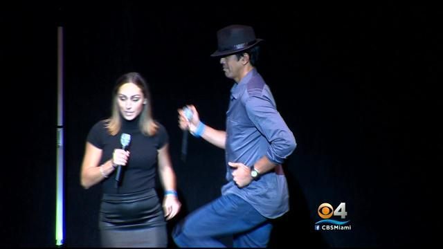 Heat coach Erik Spoelstra (kind of) performs 'Billie Jean' at karaoke