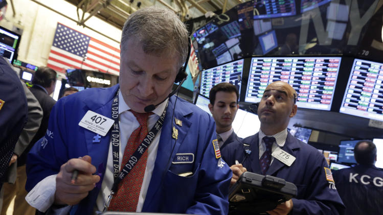 Warnings of slower sales drive US stocks lower