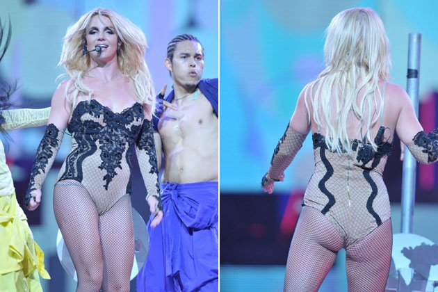 Nicht wirklich vorteilhaft: Britney im engen Body bei einem Konzert (Bilder: splash news)
