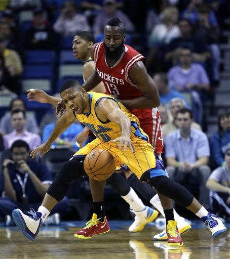 Harden scores 30, Rockets beat Hornets 100-82