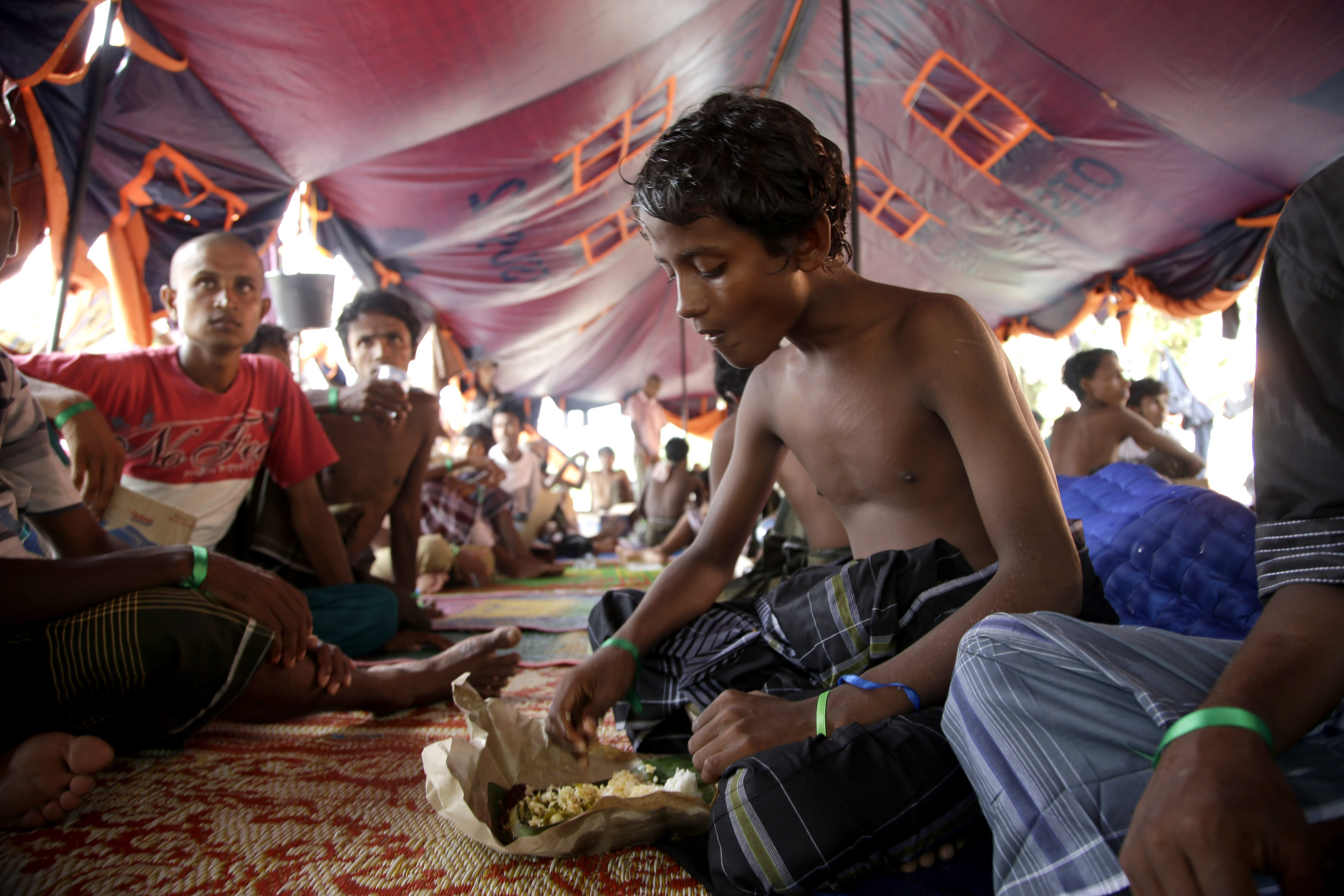 170 kids on their own among migrants to arrive in Indonesia