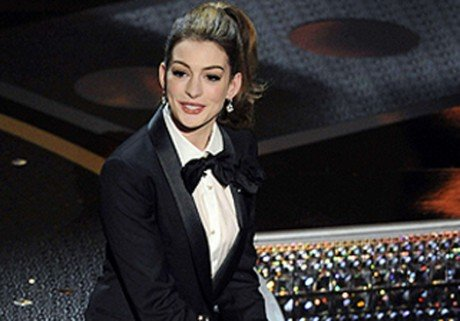 Le dfil d'Anne Hathaway aux Oscars