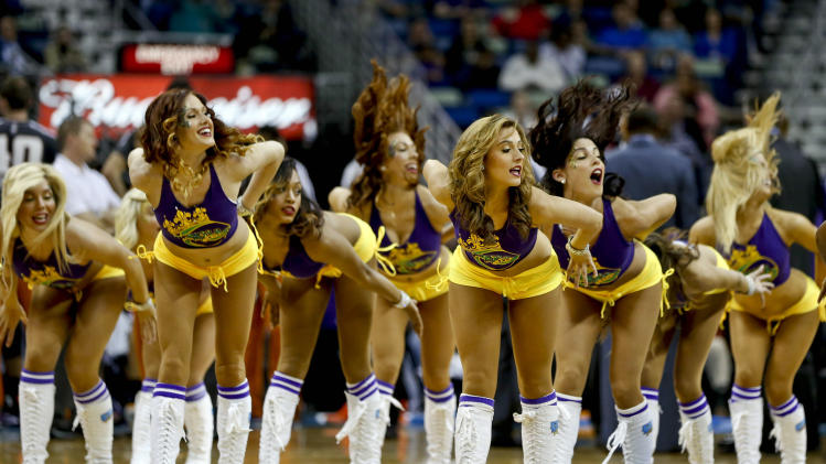 NBA: Phoenix Suns at New Orleans Hornets