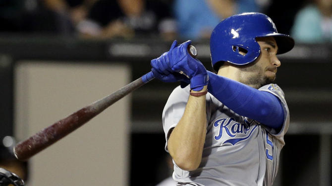 Royals close in on playoffs, beat White Sox 6-3