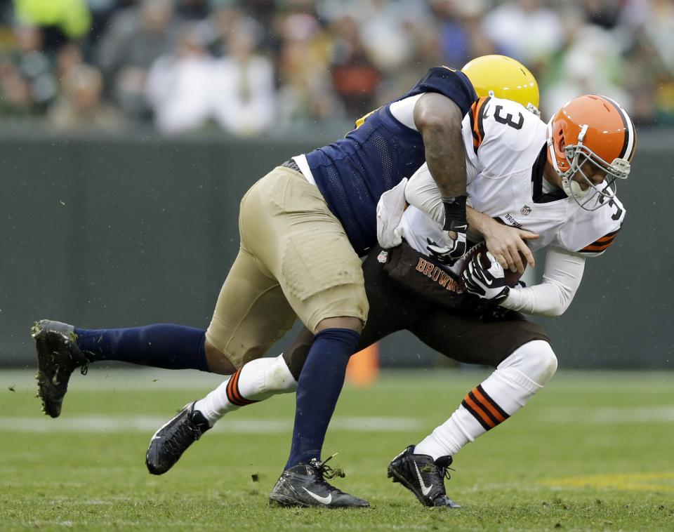 Browns' Weeden doesn't duck blame after benching