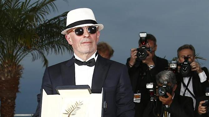 . Cannes (France), 24/05/2015.- French director Jacques Audiard poses during the Award Winners photocall after he won the Palme d'Or (Golden Palm) award for 'Dheepan' at the 68th annual Cannes Film Festival in Cannes, France, 24 May 2015. (Cine, Francia) EFE/EPA/IAN LANGSDON