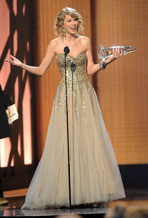 Swift Taylor CMA Aw