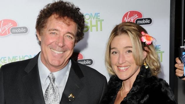Barry Williams and girlfriend Elizabeth Kennedy step out at the premiere of 'Take Me Home Tonight' in Los Angeles on March 2, 2011 -- Getty Images
