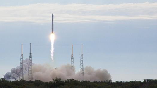 Dragon Spacecraft Glitch Was 'Frightening,' SpaceX Chief Elon Musk Says