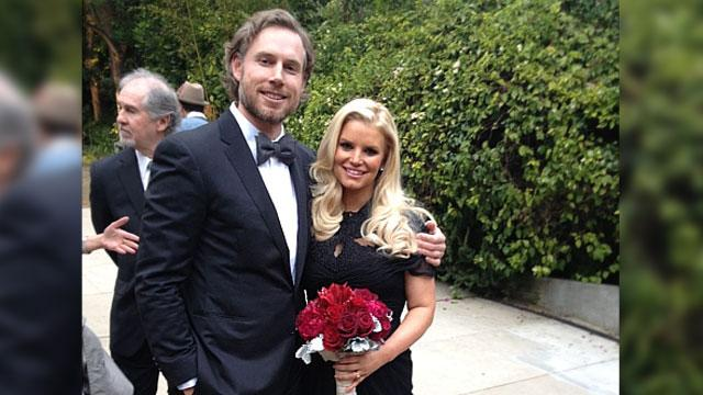 Jessica Simpson Confirms She's Pregnant, Again!