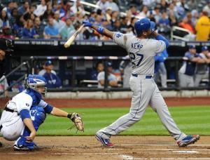 Kemp, Dodgers hammer Santana and hold off Mets 7-6