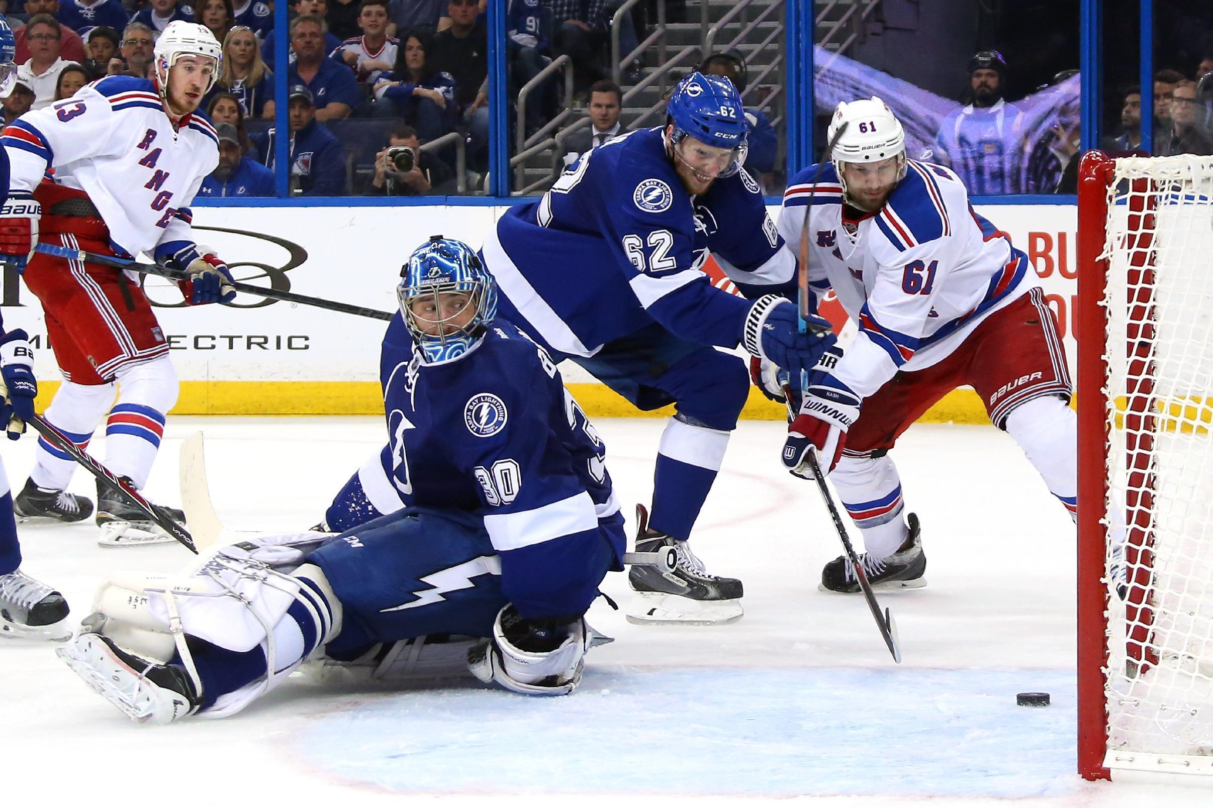 NHL - Rangers down Lightning to level series