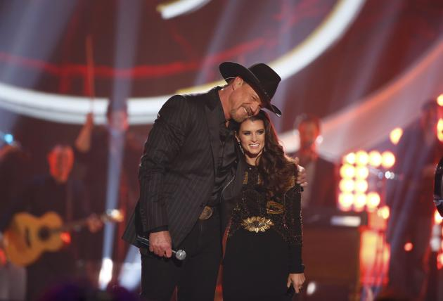 "Adkins closes the show with co-host Patrick after he performed ""The Little Drummer Boy"" during the 4th annual American Country Awards in Las Vegas"