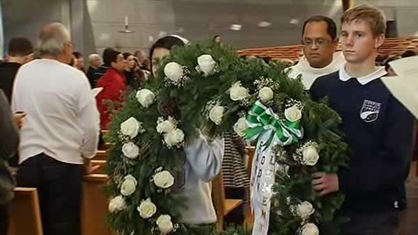 Oakland church holds mass for Sandy Hook victims