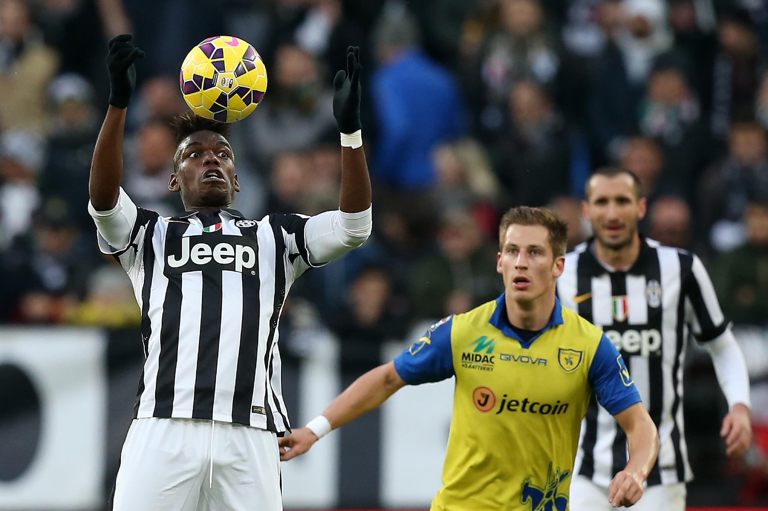 Juve go seven clear as Roma held by Fiorentina