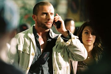 Dominic Purcell and Brooke Langton in Hollywood Pictures' Primeval