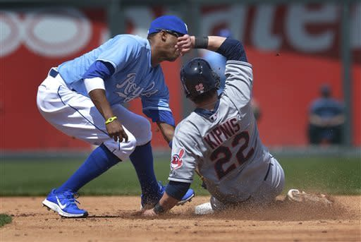 Indians beat Royals 10-3 to split doubleheader