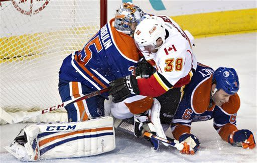 Flames surge to 4-1 win over Oilers