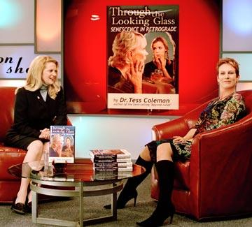 Dina Waters and Jamie Lee Curtis in Freaky Friday