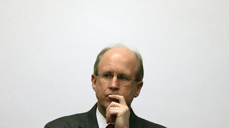 Nation's former top auditor eyes US debt warily
