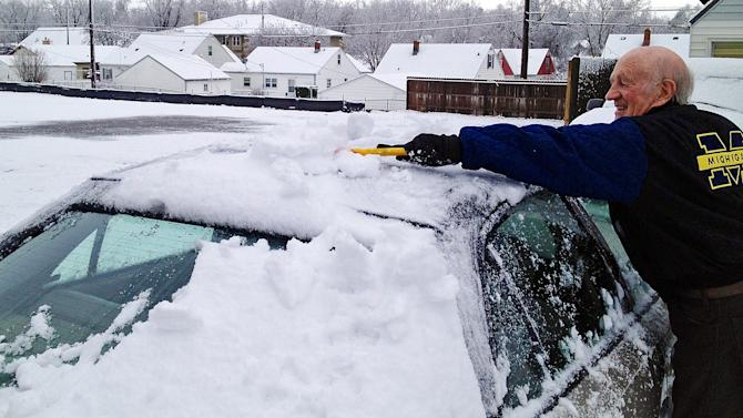 May Day snow storm hits Colo., Wyo., Midwest