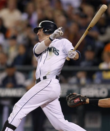 Lincecum loses 6th straight, M's beat Giants 7-4