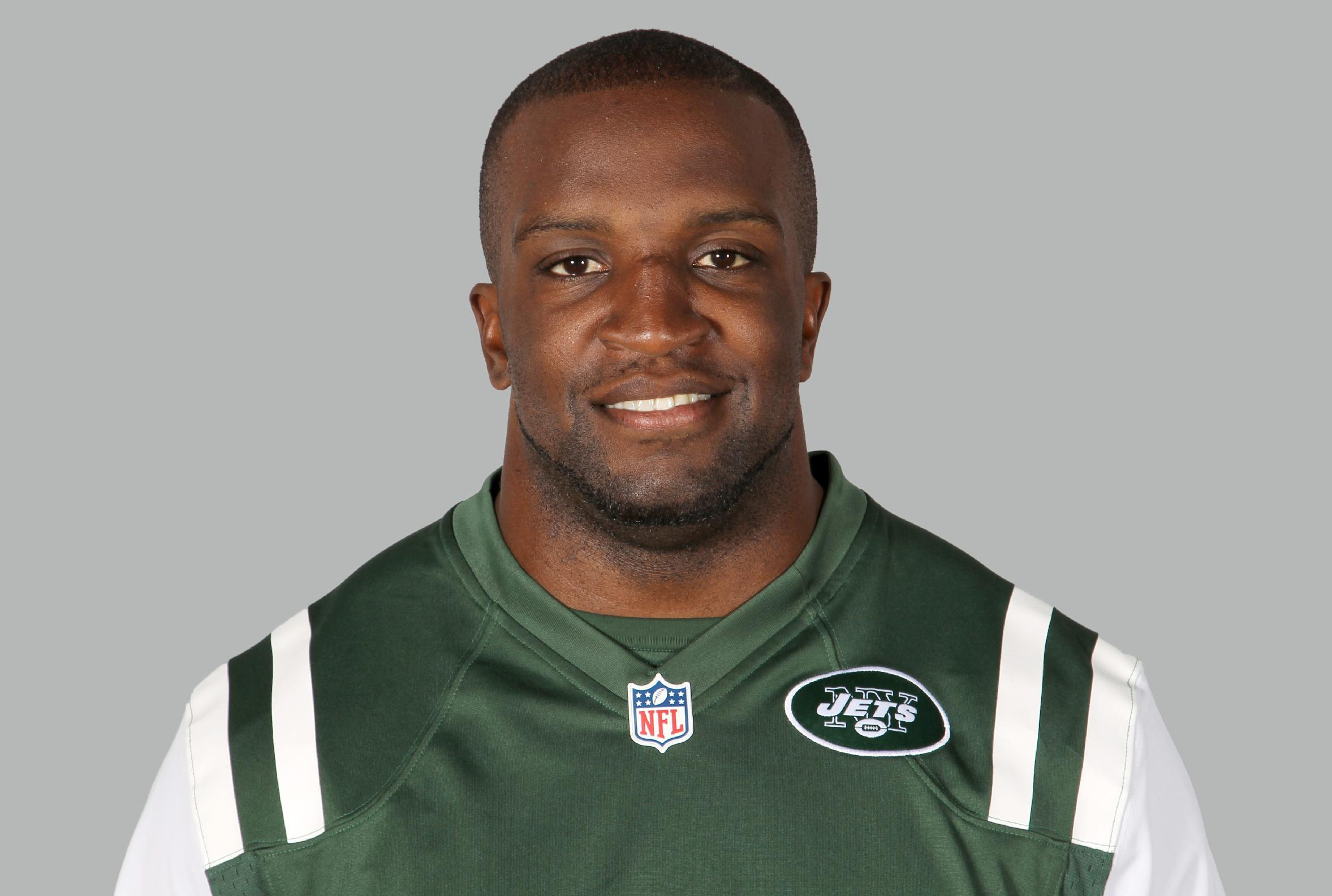 Jets re-sign linebacker David Harris to 3-year deal