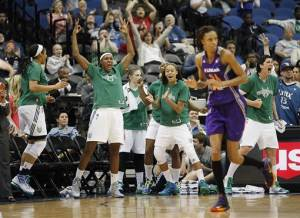 Moore scores 22 as Lynx beat Mercury 99-79