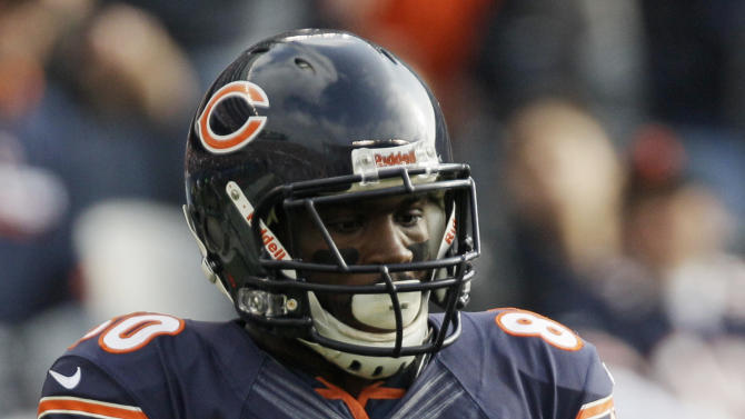Chicago Bears wide receiver Earl Bennett (80) drops a pass in the first half of an NFL football game against the Seattle Seahawks in Chicago, Sunday, Dec. 2, 2012. (AP Photo/Nam Y. Huh)