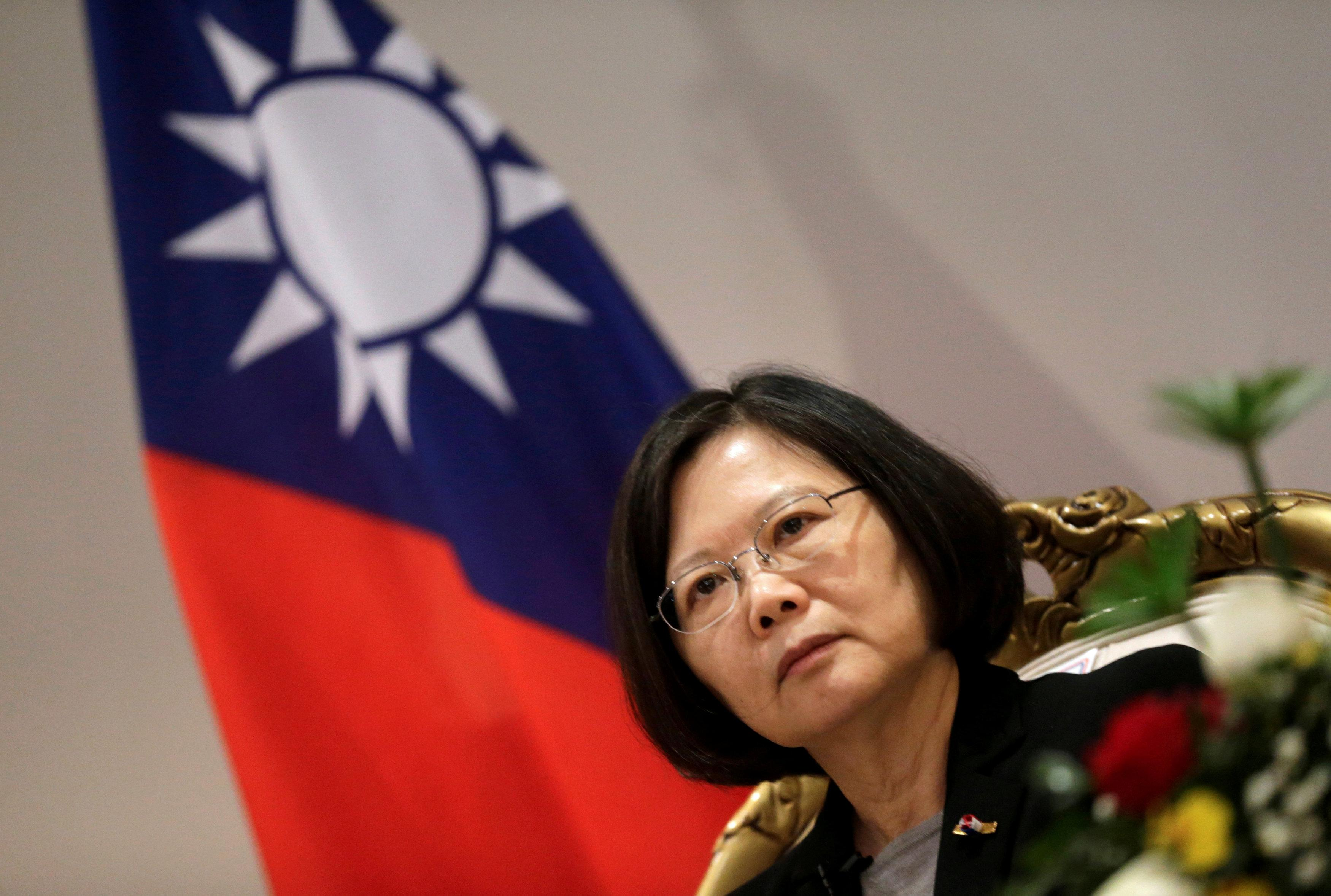 Trump Aides Downplay Taiwan Controversy