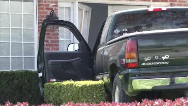 Truck drives through front door in Wilmington