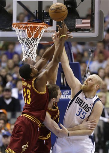 Bench helps Mavs beat Cavs 96-86