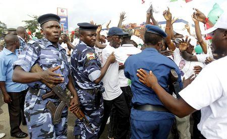 Police teargas protesters against Burundi president seeking third term