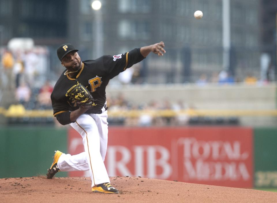 Polanco helps with tarp, then triples as Pirates top Padres
