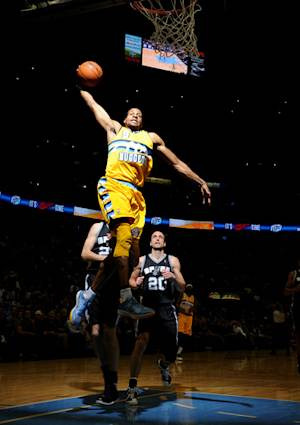 Gallinari's 28 points lifts Nuggets past Spurs
