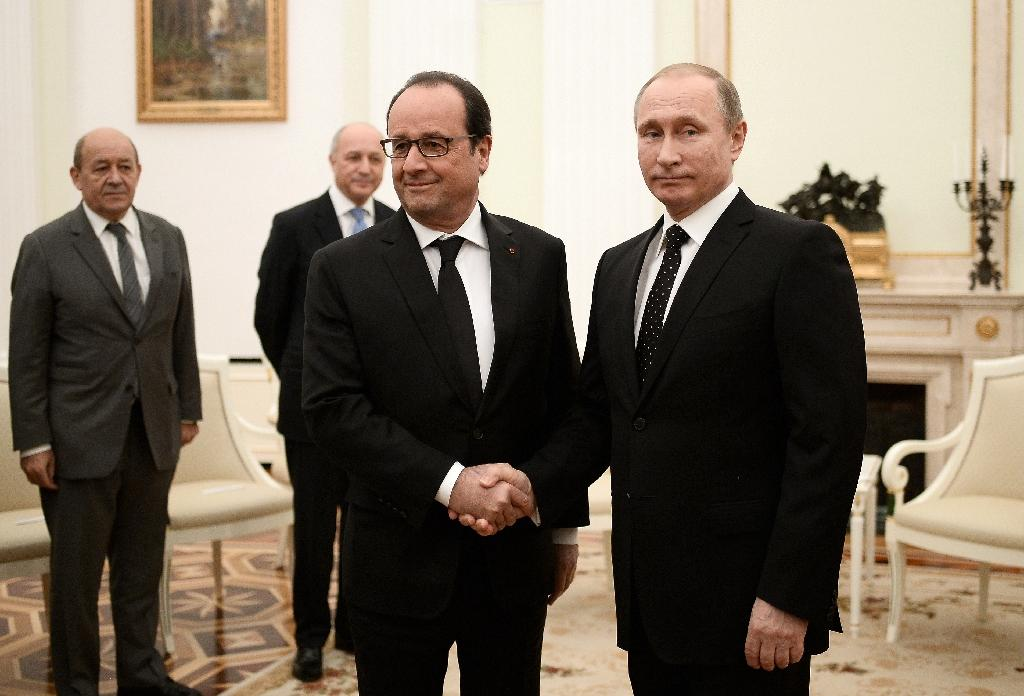 France and Russia agree to 'coordinate' strikes against IS