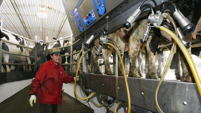 US Reps from Vt. and NY have dairy worker plan