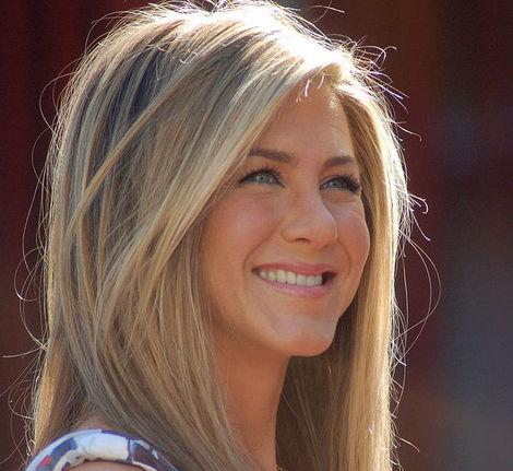 Jennifer Aniston is Engaged! Plus Other Celebs Walking Down the Aisle
